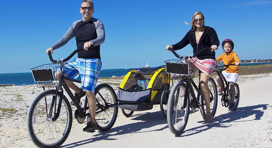 Hur små barn kan åka i en Thule cykelvagn?